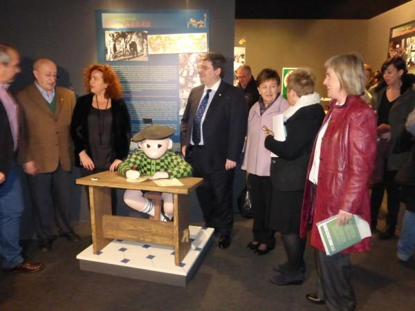 'Kili-Kili. Euskera pozgarri' erakusketa Euskal Museoan
